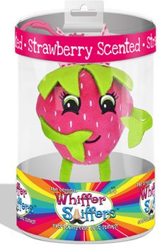 Bitsy Berry Backpack Clip | underthecarolinamoon.com #UTCM #DillyYo #BitsyBerry #Strawberry #StrawberryScent #BerryScent #WhifferSniffer #WhifferSniffers #BackpackClip