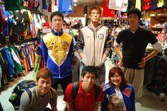 【大阪店】2014.05.24 1年ぶりに御来店の名古屋工業大学バスケ部の皆様です!女性が着てらっしゃるジャージは去年お買い上げ頂いた物です★今日もたくさんお買い上げ頂きました!店内も賑やかで楽しかったです!本当に有難うございます!大阪で大会だそうです!がんばってくださいね^^ #nba