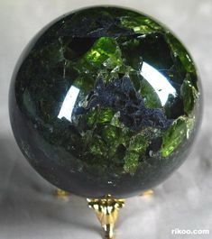 Emerald Gemstones Peridot Crystal Ball: used as the most common actual fortune-telling sphere. Made first in Israel. Crystal Sphere, Crystal Ball, Crystal Egg, Crystal Green, Minerals And Gemstones, Rocks And Minerals, Rocks And Gems, Stones And Crystals, Gem Stones