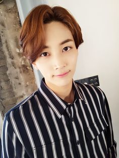 ORIG] [17'S] 햇살이 좋은 어느날, 캐럿들을 위한 촬영 중 #2.Jeonghan  [TRANS] [17′S] On such a shiny day, a shot only for Carat(s) #2.Jeonghan Trans © Pledis17@tumblr