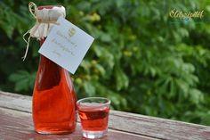 Így készül a rózsaszörp Healthy Drinks, Smoothie, Herbalism, Beverages, Food And Drink, Cooking Recipes, Wine, Bottle, Herbal Medicine