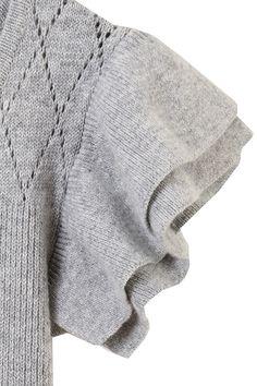 【予約販売】袖フリルフレアニットワンピース トランテアン ソン ドゥ モード/31 Sons de mode Sweater Fashion, Men Sweater, Knitwear, Pullover, Knitting, Sweaters, Style, Swag, Tricot
