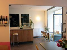 Long Bar, shelves and tables for le Comptoir in Clermont Ferrand
