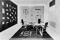Metz & Co. showroom with wall hangings (left and rear walls) and carpet by Bart van der Leck, and furniture by Gerrit Rietveld Piet Mondrian, House Painter, Making Stained Glass, Abstract Styles, Old Pictures, Interiores Design, Installation Art, Furniture Design, Photo Wall