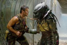 A gallery of Predators publicity stills and other photos. Featuring Adrien Brody, Alice Braga, Brian Steele, Oleg Taktarov and others. Alien Vs Predator, Predator Movie, Predator Art, Mahershala Ali, Adrien Brody, Best Action Movies, Great Movies, Aliens Colonial Marines, Lucha Libre