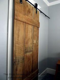 vanha ovi uudella kiinnityksellä