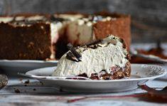 Czekoladowe ciasto z herbatnikami i kawowym kremem Mascarpone - bez pieczenia | fooddiary.pl 200 Calories, Pavlova, Food And Drink, Desserts, Cakes, Diet, Mascarpone, Balcony, Tailgate Desserts