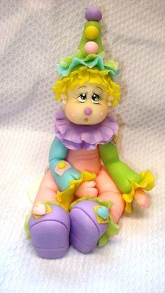 Palhacinho topo de bolo Orçamento pelo e-mail: Kasinhadaarte@hotmail.com  Site: www.elo7.com.br/kasinhadaarte