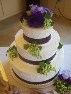 25 best Purple and green wedding cakes images on Pinterest