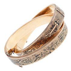 1STDIBS.COM Jewelry & Watches - Victorian Enamel 'Dove' Motif Rose Gold Bangle Bracelet Set - Fourtane