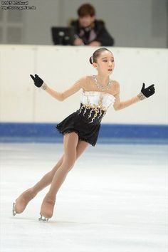 Yelim Kim's long program costume at the 2015 NRW Trophy (Advanced Novice). (Source: gymfan.de)