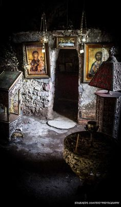 Sacred moments ~ Chapel of St. Dimitrios in the village of Skoutari Lakonia Prayer Corner, Christ The King, Church Interior, Orthodox Christianity, World Religions, Jesus Pictures, Orthodox Icons, Sacred Art, Christian Art