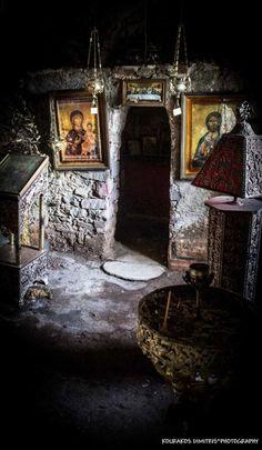 Ιερέςστιγμές~ ΞωκλήσιΑγίουΔημητρίουστοχωριόΣκουτάριΛακωνίας Sacred moments ~ Chapel of St. Dimitrios in the village of Skoutari Lakonia