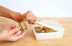 15 tips para almacenar y conservar la comida fresca No Bake Cookies, Cookies Et Biscuits, Cooking 101, Cooking Recipes, Cooking Games, Shortbread Recipes, How To Make Salad, How To Make Cookies, Baking Tips