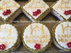 Erdbeer-Pistazien Cheesecaketörtchen Ricotta, Ramadan, Fondant, Gelatine, Desserts, Sugar, Cookies, Food, Cute Ideas