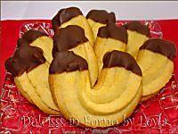 Biscotti di frolla montata a forma di ferro di cavallo