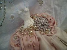 A classic looking gown made from a soft pink and champagne satin and -book Paper Dress Art, Paper Art, Paper Dresses, Paper Dolls Clothing, Art Clothing, Baby Shower Deco, Minis, Shabby Chic Crafts, Fairy Dress