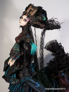 """Virginie Ropars creates absolutely stunning dolls! Although """"dolls"""" doesn't seem to do them justice.  vropars.free.fr/..."""
