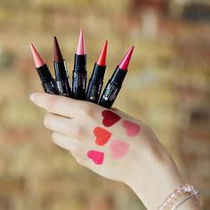 The best cheap makeup brands that you need in your makeup bag! These affordable makeup brands have amazing highlighters, eyeshadows, mascaras and brushes! Cheap Makeup Brands, Best Cheap Makeup, Makeup Goals, Love Makeup, Beauty Makeup, Makeup Stuff, Flawless Makeup, Beauty Bar, Makeup Ideas