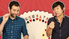 Recebemos o mágico mais fofo da internet, Pyong Lee, para nos ensinar um truque muito bacana com cartas! Veja como fazer o jogo das cartas movediças.