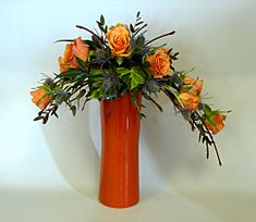 Crescent Flower Arrangement with the nice shape of the crescent can be very good idea to have the special arrangement for flower. That would be very beautiful flower arrangement. Easter Flower Arrangements, Ikebana Flower Arrangement, Flower Centerpieces, Flower Decorations, Floral Arrangements, Contemporary Flower Arrangements, Beautiful Flower Arrangements, Deco Floral, Arte Floral