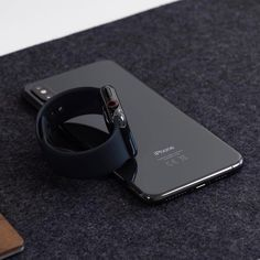 Apple Watch Men, Apple Watch Iphone, Apple Watch Series, New Iphone, Iphone Cases, Gadgets And Gizmos, Tech Gadgets, Black Apple, Iphone Accessories