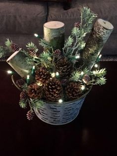 rustic christmas Broad-minded Porch i - weihnachten Christmas Planters, Farmhouse Christmas Decor, Outdoor Christmas Decorations, Primitive Christmas, Country Christmas, Winter Christmas, Christmas Wreaths, Diy Christmas Arrangements, Christmas Porch Ideas