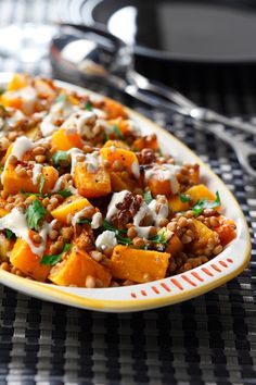 Roasted Butternut & Lentil Salad with Goat Cheese Recipe, dinner idea or a side dish idea! Lentil Recipes, Veggie Recipes, Vegetarian Recipes, Cooking Recipes, Healthy Recipes, Breakfast And Brunch, Goat Cheese Salad, Roasted Butternut, Lentils