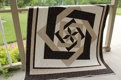 Labyrinth Quilt - Looks hard but is made using half square triangles.