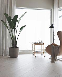 A foggy Monday.. #foggyview #mylivingroom #stue #interiør #interiordesign 移動式のカフェテーブル