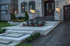 42 ideas for backyard pavers ideas sidewalks House Landscape, Landscape Design, Garden Design, Front House Landscaping, Modern Landscaping, Backyard Patio, Backyard Landscaping, Paving Design, Driveway Design