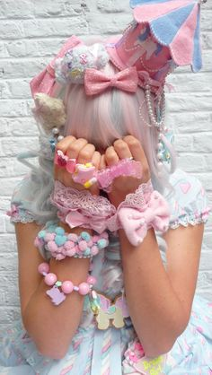japanese fashion decora / fairy kei kawaii cute girl hair accessories Bucket List : To go to a sweet Lolita tea party! Harajuku Girls, Harajuku Fashion, Japan Fashion, Lolita Fashion, Style Kawaii, Looks Kawaii, Kawaii Cute, Estilo Lolita, Japanese Streets