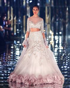 Bridal Lehenga Designs - Latest Trends in Lehengas Indian Bridal Wear, Indian Wedding Outfits, Pakistani Bridal, Bridal Outfits, Bridal Lehenga, Indian Outfits, Bridal Dresses, Lehenga Designs, Blouse Lehenga