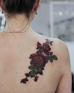 Love the dark burgundy mixed with the dark forest green. Definitely want these colors for my rose tattoo.