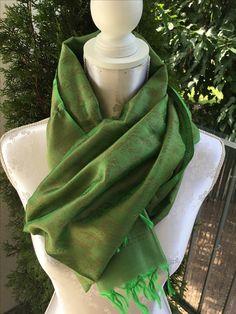 Soft Seidenfoulard grün sFr. 34.-- Tibet, Fashion, Headscarves, Moda, Fasion