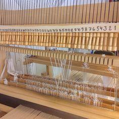 Damastipuiden vetonappulat  * kutominen on mukavaa ja helppoa oppia :)  * it is worth learning, #weaving is fun :)