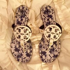 Tori Burch Miller Sandal Tie Dye✌️ Tory Burch Ivory/Tie Dye Miller Sandal in perfect condition and brand new. A comfortable staple for sunny days, the signature Miller Sandel with a fun and unique tie dye print! Shipping with box and travel bag Tory Burch Shoes Sandals