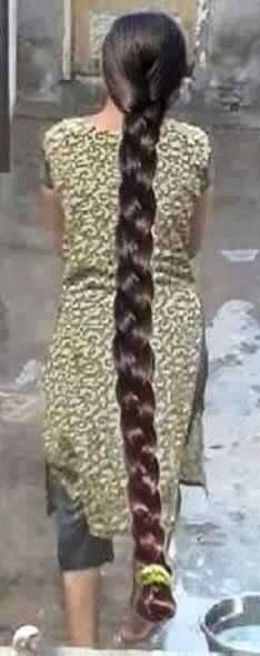 Picssr: indian braided hair' most interesting photos Beautiful Braids, Beautiful Long Hair, Gorgeous Hair, Beautiful Ladies, Really Long Hair, Super Long Hair, Indian Long Hair Braid, Long Hair Video, Braids For Long Hair