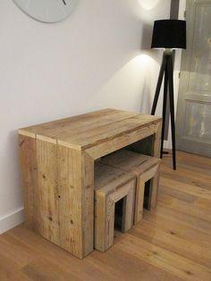 Sidetable van gebruikt steigerhout inclusief 2 krukken   Te koop by w00tdesign, via Flickr Used Pallets, Wood Furniture, Corner Desk, Home Improvement, Household, Woodworking, Simple, Lounge Ideas, Design