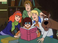 "Scooby Doo, doce sei tu? (1969) - Scooby-Doo, Norville ""Shaggy"" Rogers, Velma Dinkley, Fred Jones e Daphne Blake sulla Mystery Machine. CuginO (Scooby-Dum) e nipote (Scrappy-Doo) di Scooby"
