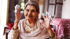 """Veteran actress Farrukh Jafar, known for her performance in films """"Gulabo Sitabo"""" and """"Sultan"""" has passed away due to brain stroke at the age of 89. Irrfan Khan, Taapsee Pannu, Jafar, English News, Actors, Couple Photos, People, Shopping, Couple Shots"""