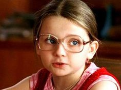 Halloween costumes with glasses - Little Miss Sunshine Halloween Costumes Glasses, Costumes With Glasses, Halloween Costumes For Kids, Little Miss Sunshine, Selfies, Abigail Breslin, Kids Glasses, Yoga Mom, Cinema