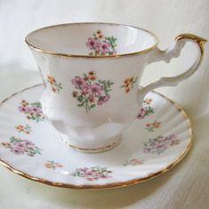 Cup And Saucer Set, Tea Cup Saucer, Vintage Tea Cups, Antique Tea Cups, Antique Dishes, China Tea Sets, Bone China Tea Cups, Teapots, Tea Time