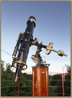 A steampunk WORKING telescope!   I want this.