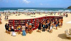 To celebrate the 30th anniversary of its most popular bookcase, the BILLY, IKEA placed 30 bookshelves on Bondi Beach, in Sydney.