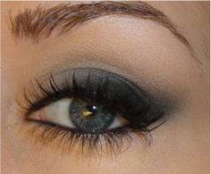 Soft Cat Eye Makeup