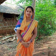 Beautiful Girl Indian, Beautiful Indian Actress, Beautiful Women, Beauty Full Girl, Beauty Women, Girl Photos, Family Photos, Rajasthani Dress, Bridal Hair Buns