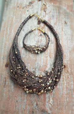Linen necklace and bracelet with golden beads. Колье из льна и золотистых бусин. #эко-колье, колье из льняной нити, #linen jewellery, #linen bracelet, linen necklace, beaded necklace, eco-jewellery