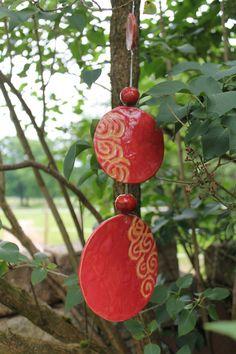 Windspiele - Windspiel Baumhänger rot orange Unikat frostfest - ein Designerstück von LeWil-Keramik bei DaWanda