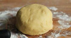 Recette de la meilleure pâte sablée au monde (celle de ma grand -mère) ! Pie Crust Designs, Icebox Pie, Base, Strudel, Flan, Cake Cookies, Sweet Recipes, Food And Drink, Cooking Recipes